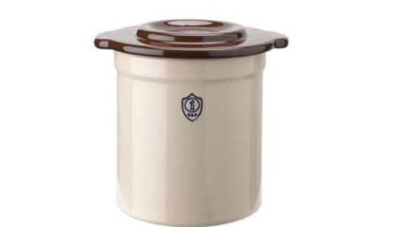 1-Gallon Stoneware Pickling Crock with Cover - Gardener