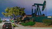 Il petrolio scende al minimo di 18 anni, la domanda scende senza precedenti