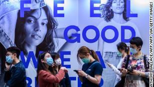 Азия, може би е бил прав да кажем за коронавируса и маски за лице, и останалата част на света наближава