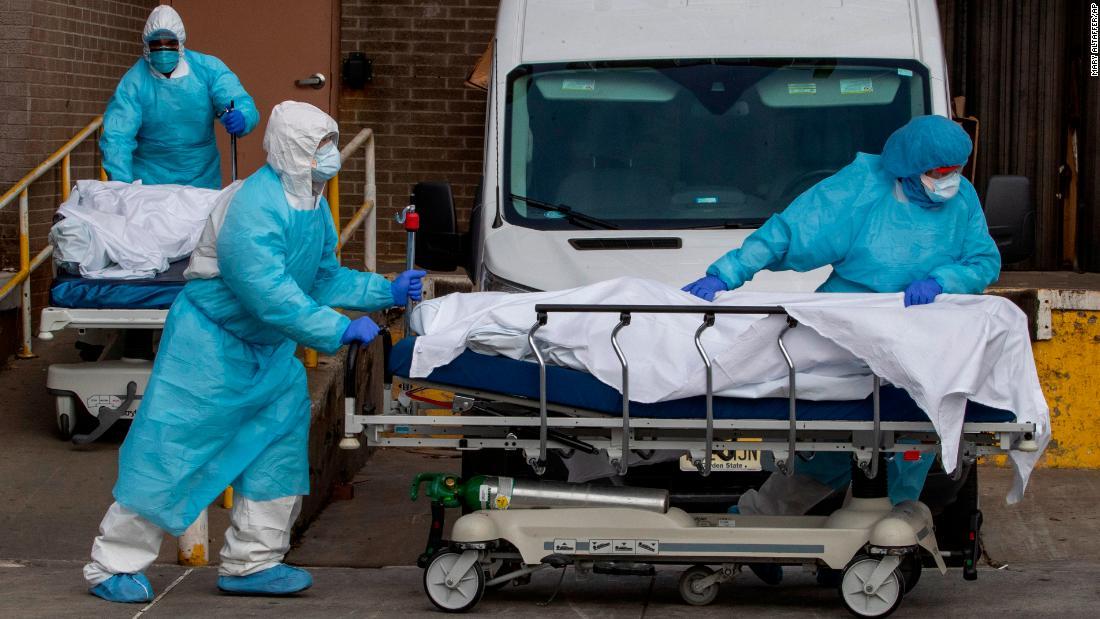 Pekerja perawatan kesehatan wajah krisis kesehatan mental saat mereka pertempuran coronavirus pandemi