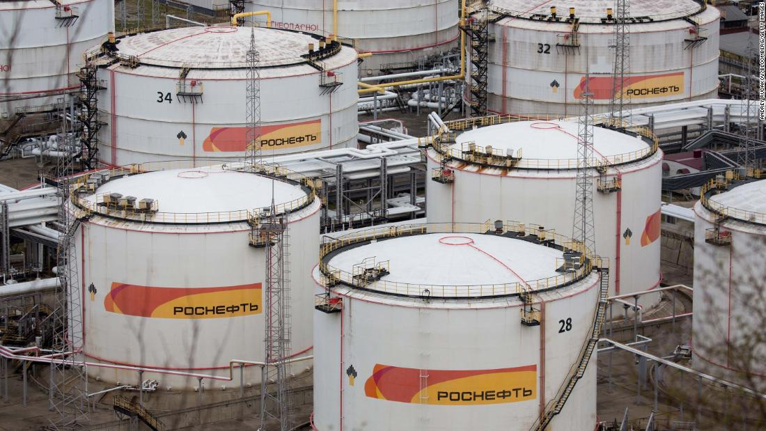 OPEC-Rusia rapat ditunda sampai 9 April lalu di tengah gejolak di pasar energi