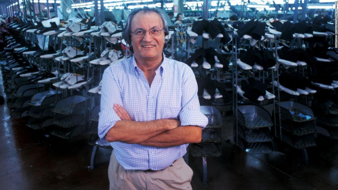 Sergio Rossi, 'master' desainer sepatu italia, meninggal coronavirus