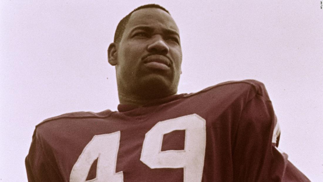 Ο μπόμπι Μίτσελ, πρώτος μαύρος παίκτης για Ερυθρόδερμοι της Ουάσιγκτον, πεθαίνει στο 84