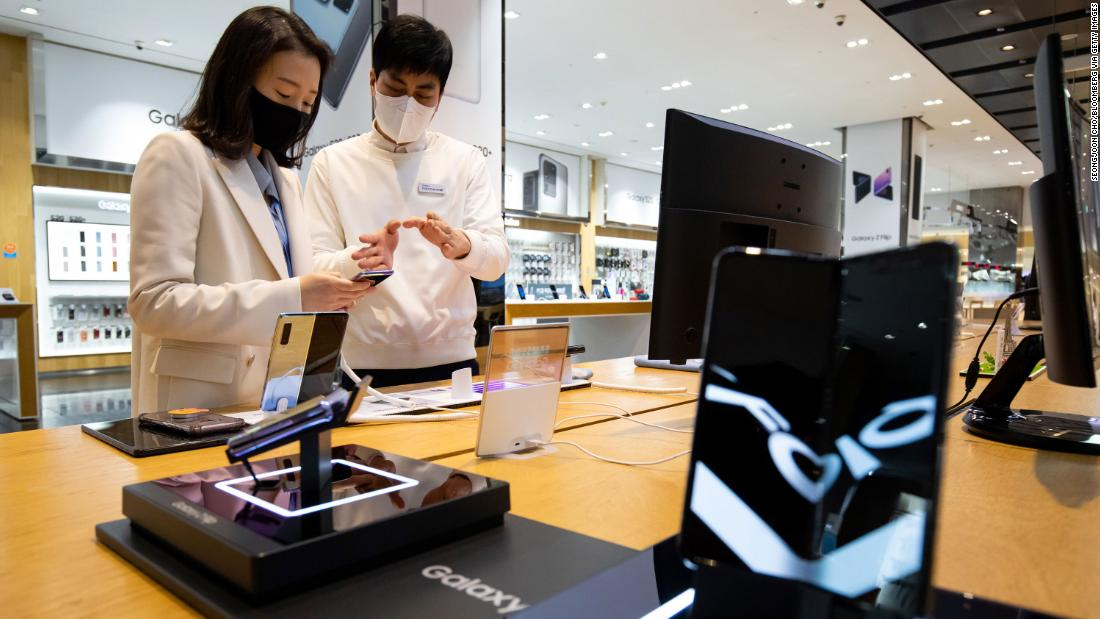 Η Samsung λέει ότι eked έξω κέρδος άνοδο πριν από τις χειρότερες Covid-19 πανδημία χτυπήσει