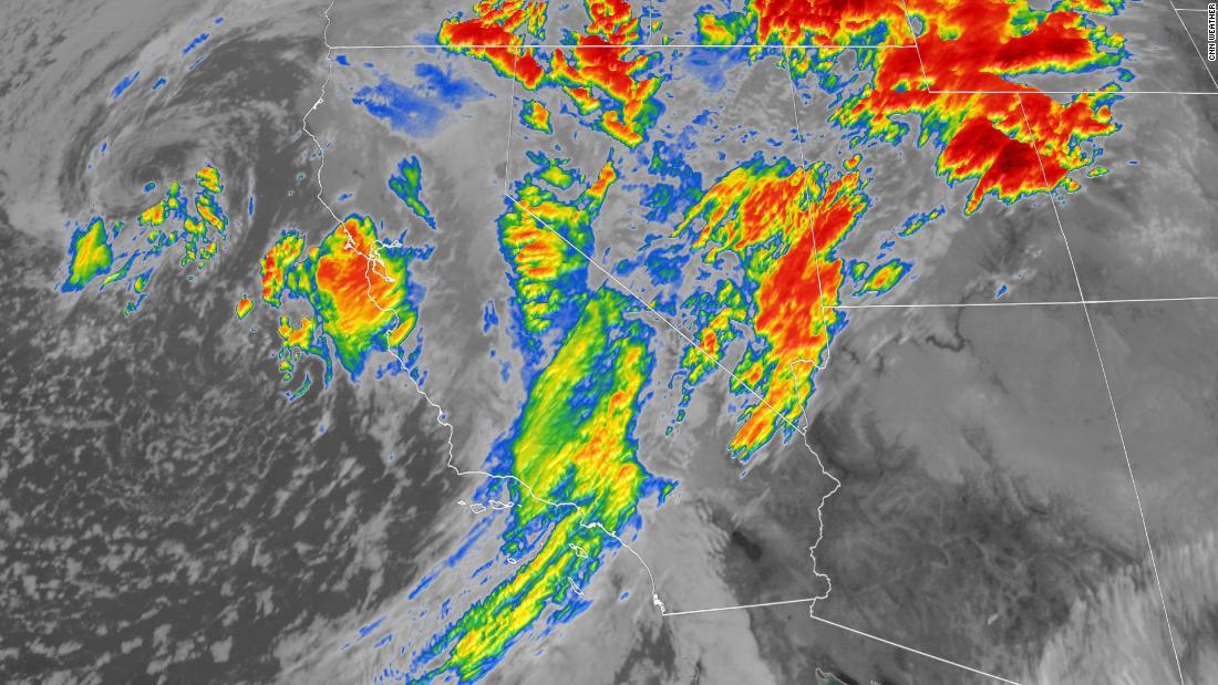 Ein sich langsam bewegenden Sturm dump Meter Schnee, Regen und überschwemmungen in Kalifornien am Montag