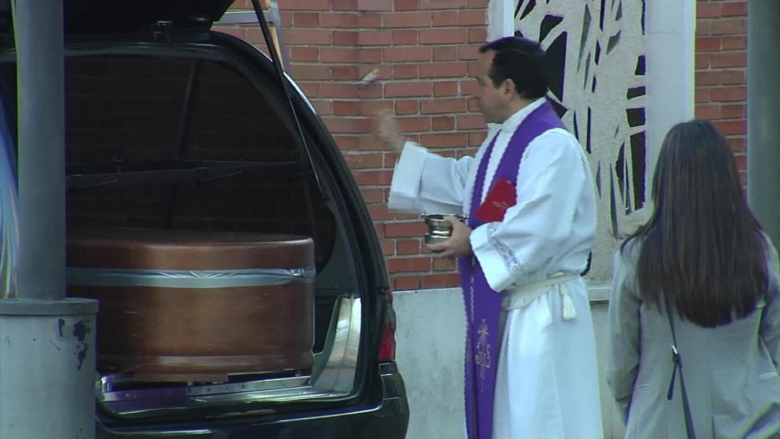 Drive-in Beerdigungen statt in Spanien coronavirus Epizentrum