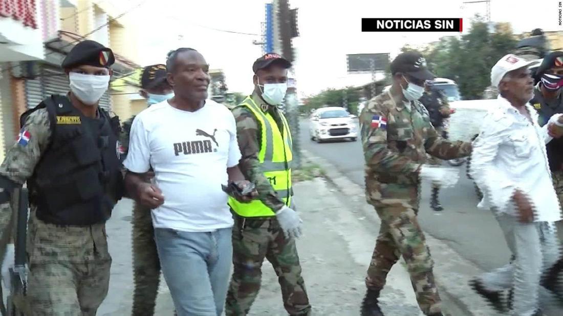 Detienen a miles en República Dominicana por violar toque de queda y mueren reos en prisión por covid-19 - CNN Video