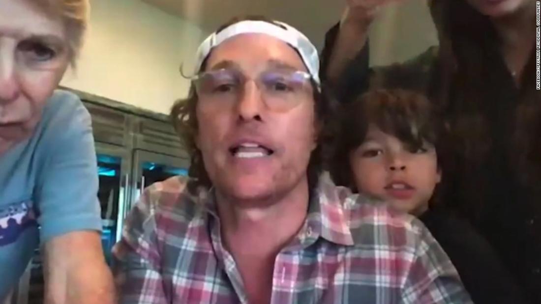 Watch Matthew McConaughey panggilan virtual bingo