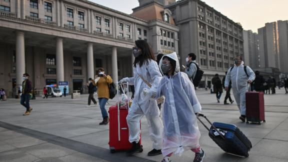 Image for China lifts 76-day lockdown on Wuhan as city reemerges from coronavirus crisis