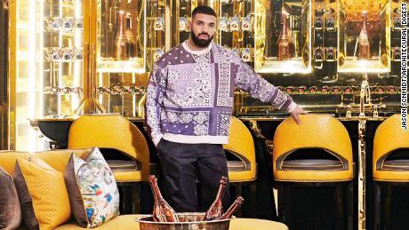 Entra nella stravagante dimora Drake a Toronto
