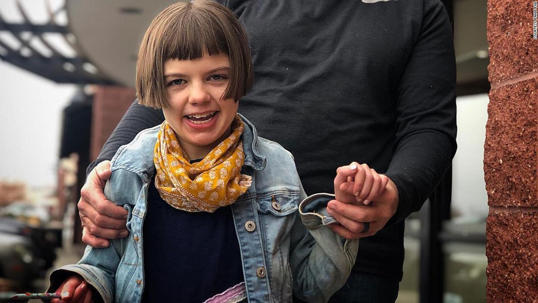 13 tahun gadis yang terinspirasi CBD gerakan telah meninggal
