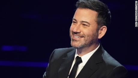 """Jimmy Kimmel găzduiește episoadele de celebritate de la aniversarea a 20 de ani din filmul `` Who Want to Be a Millionaire. """""""""""