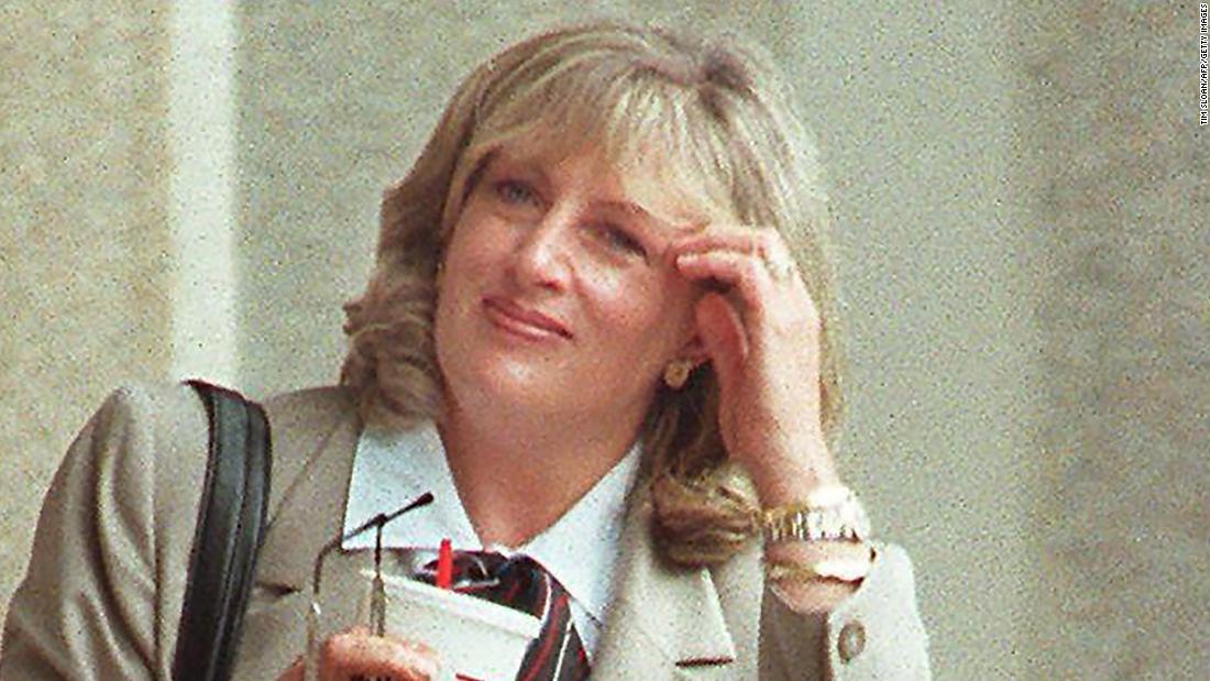 Linda Tripp, dan kaset yang penting di Clinton impeachment skandal, meninggal