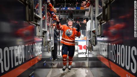 Edmonton Oilers center Colby Cave died on Saturday morning, his family and team announced. He was 25.