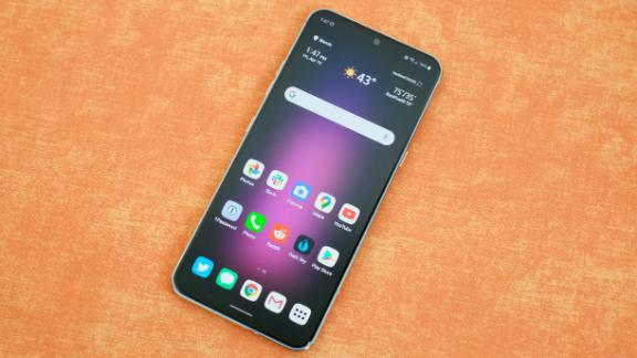 Lg S V60 Thinq 5g Is Big And Powerful But Lg S Software Gets In The Way Cnn Underscored