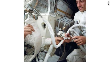 Plastic bags, tape and carboard were used to clear carbon dioxide from the lunar module.
