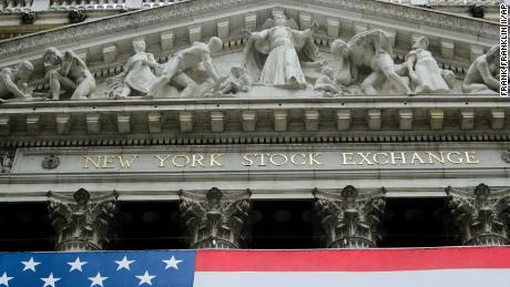 Las acciones estadounidenses suben más cuando comienza la temporada de ganancias: 14 de abril de 2020