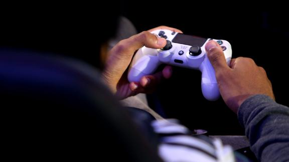 LONDON, ENGLAND - March 28: A detailed view of a PS4 controller as players practice during day one of the 2019 ePremier League Final at Gfinity Arena on March 28, 2019 in London, England.  (Photo by Alex Pantling / Getty Images)