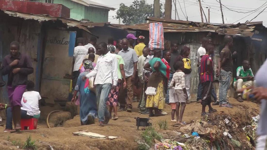 'Chaos' in Kenyan slum as Covid-19 takes toll
