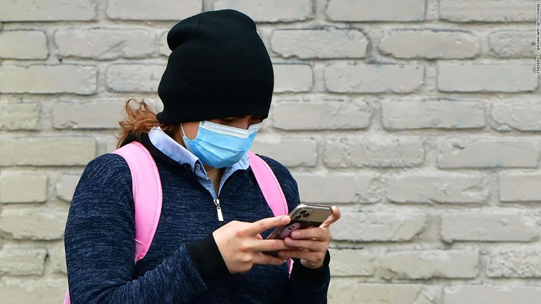 Apple and Google want your phone to become a coronavirus tracking device. Can it really work?