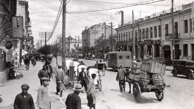 Kitajskaya street in Harbin circa 1932.