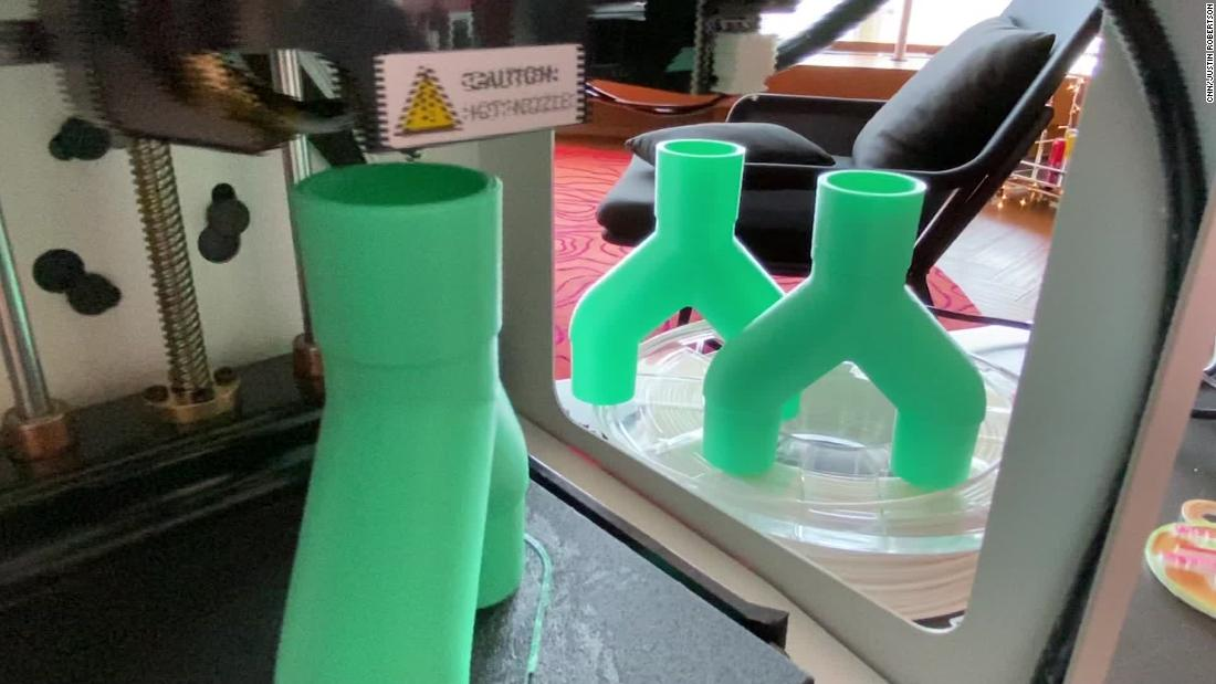 3D printing enthusiasts are making ventilator supplies at home