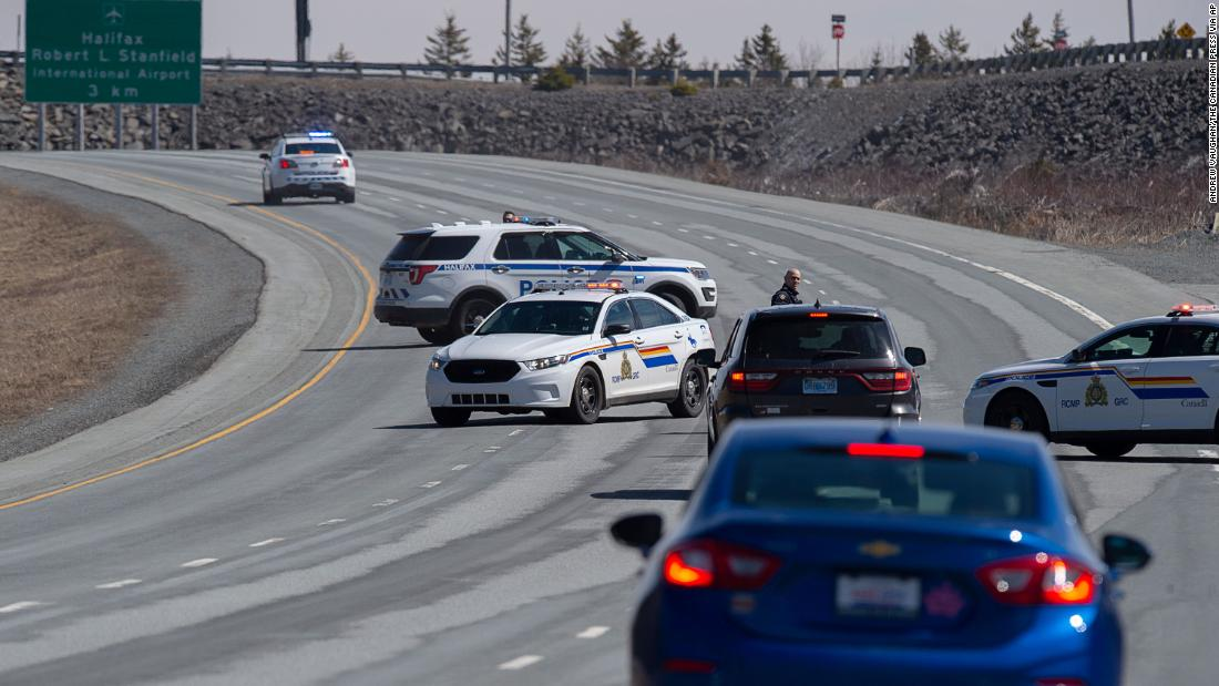 Gunman kills at least 9 in rampage across Nova Scotia thumbnail