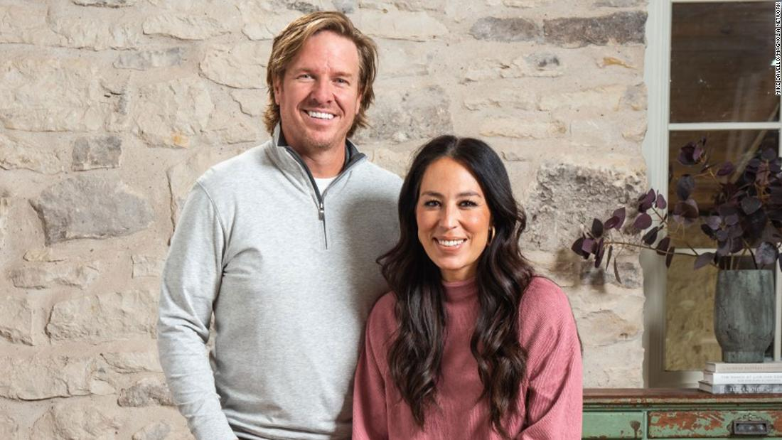 Chip và Joanna Gaines mang 'Fixer Upper' trở lại