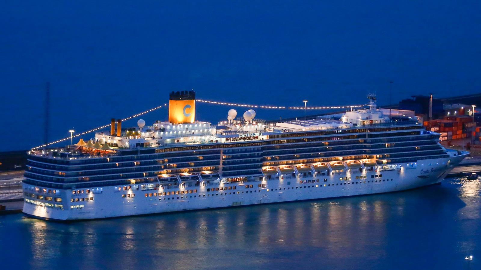 Last cruise ship at sea finally reaches port | CNN Travel
