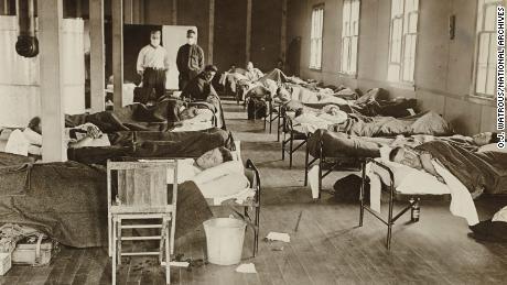 Când Denver a renunțat la distanțarea socială în timpul pandemiei din 1918, rezultatele au fost mortale.