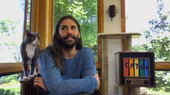 """""""Queer Eye"""" star Jonathan Van Ness and his cat."""