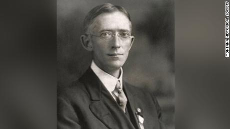 The doctor who fought the 1918 flu pandemic is similar to Dr.  Fauci