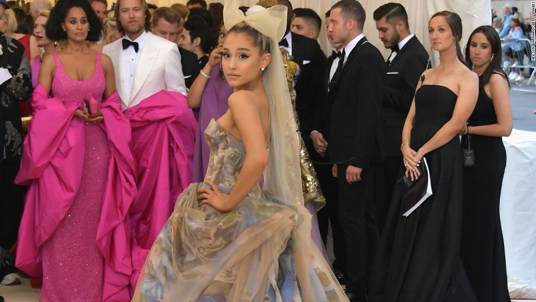 Ariana Grande secretly marries her fiancé