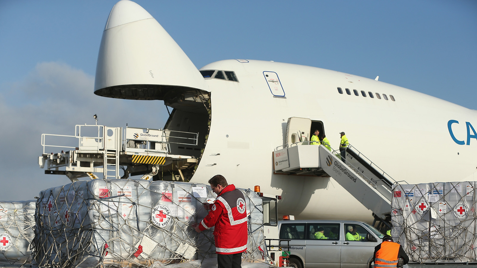 8,000 cargo jets needed to transport Covid-19 vaccines, says IATA | CNN  Travel