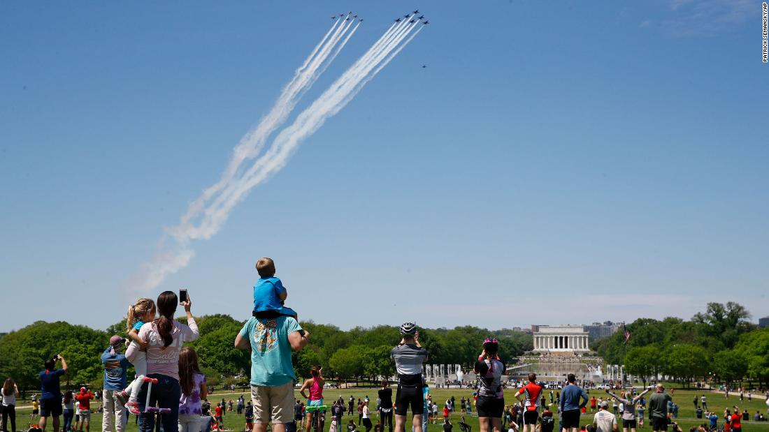 Photo of Crowds flock to National Mall for Blue Angels and Thunderbirds flyover | Nicole Chavez and Gregory Clary, CNN