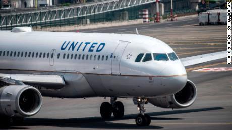 United to offer coronavirus tests to some passengers
