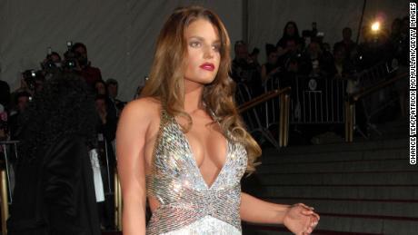 Jessica Simpson says she felt body-shamed by Vogue