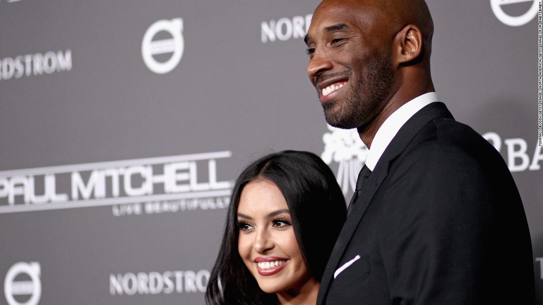 Kobe Bryant's widow sues sheriff's department for leak of crash photos