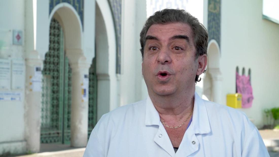 france coronavirus covid 19 pandemic doctor patient december WHO bell pkg intl ldn vpx_00002503.jpg
