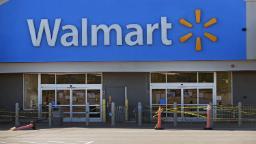 Elizabeth Warren, other Massachusetts Democrats probe Walmart on store with more than 80 coronavirus cases