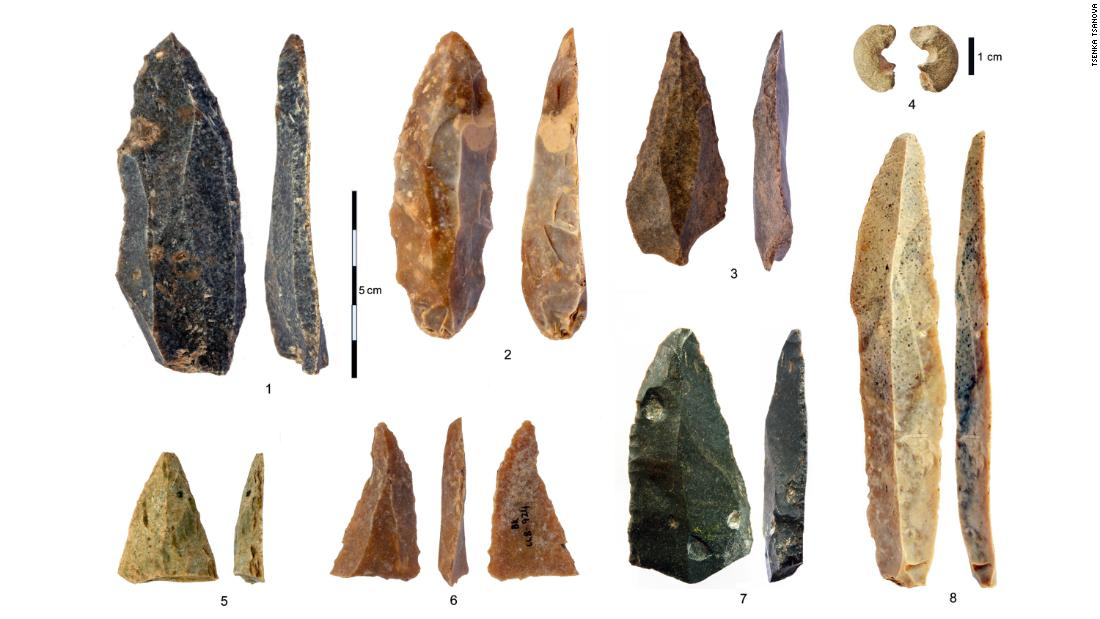 Stone artifacts from the Initial Upper Paleolithic at Bacho Kiro Cave: 1-3, 5-7 Pointed blades and fragments from Layer I; 4 Sandstone bead with morphology similar to bone beads; 8 The longest complete blade.