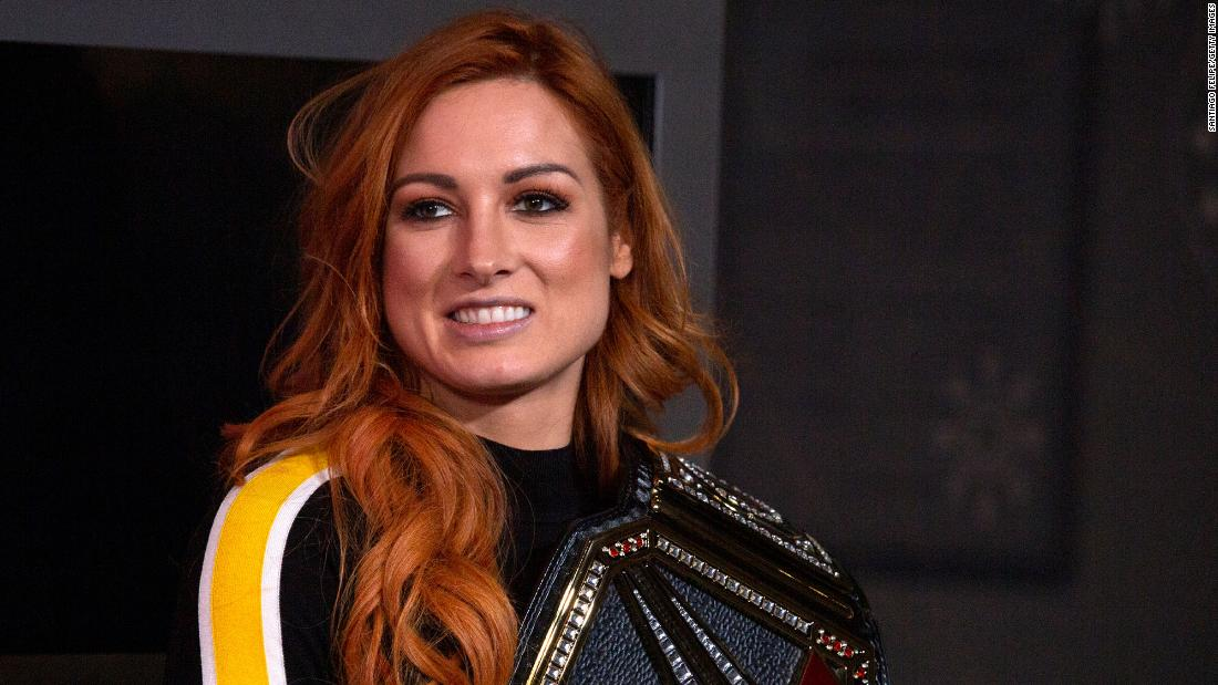 Photo of WWE champion, Becky Lynch, announces pregnancy and relinquishes title | Amanda Jackson, CNN