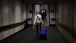 TSA working on plan to check temperatures at some American airports