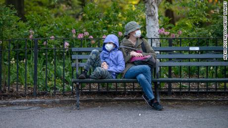 Coronavirus model cited by the White House looks like how many Americans wear masks
