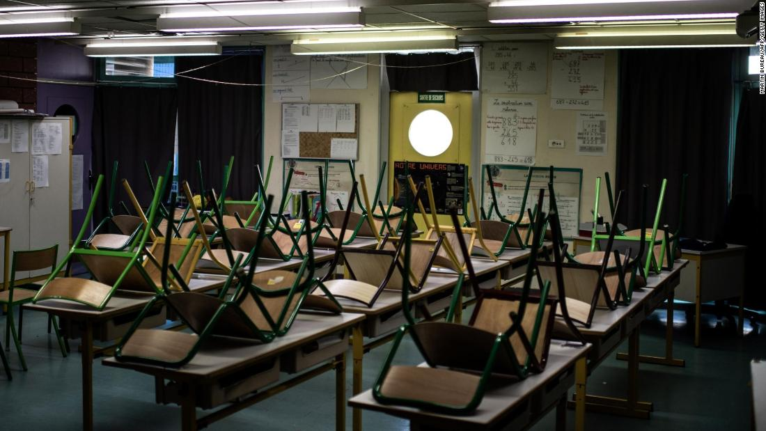 An empty classroom is pictured at the Saint-Exupery school in the Paris' suburb of La Courneuve on May 14, 2020 as primary schools in France re-open this week after an almost two-month closure due to the lockdown imposed since March 17 to curb the spread of the COVID-19 disease caused by the novel coronavirus.