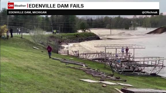 Image for Michigan governor wants investigation of dam failures that have caused devastating flooding