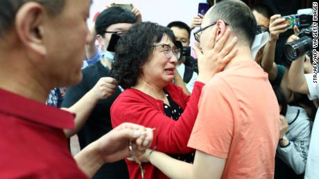 Mao Yin reunited with his birth parents Monday in the Chinese city of Xi'an after being kidnapped as a toddler 32 years ago.
