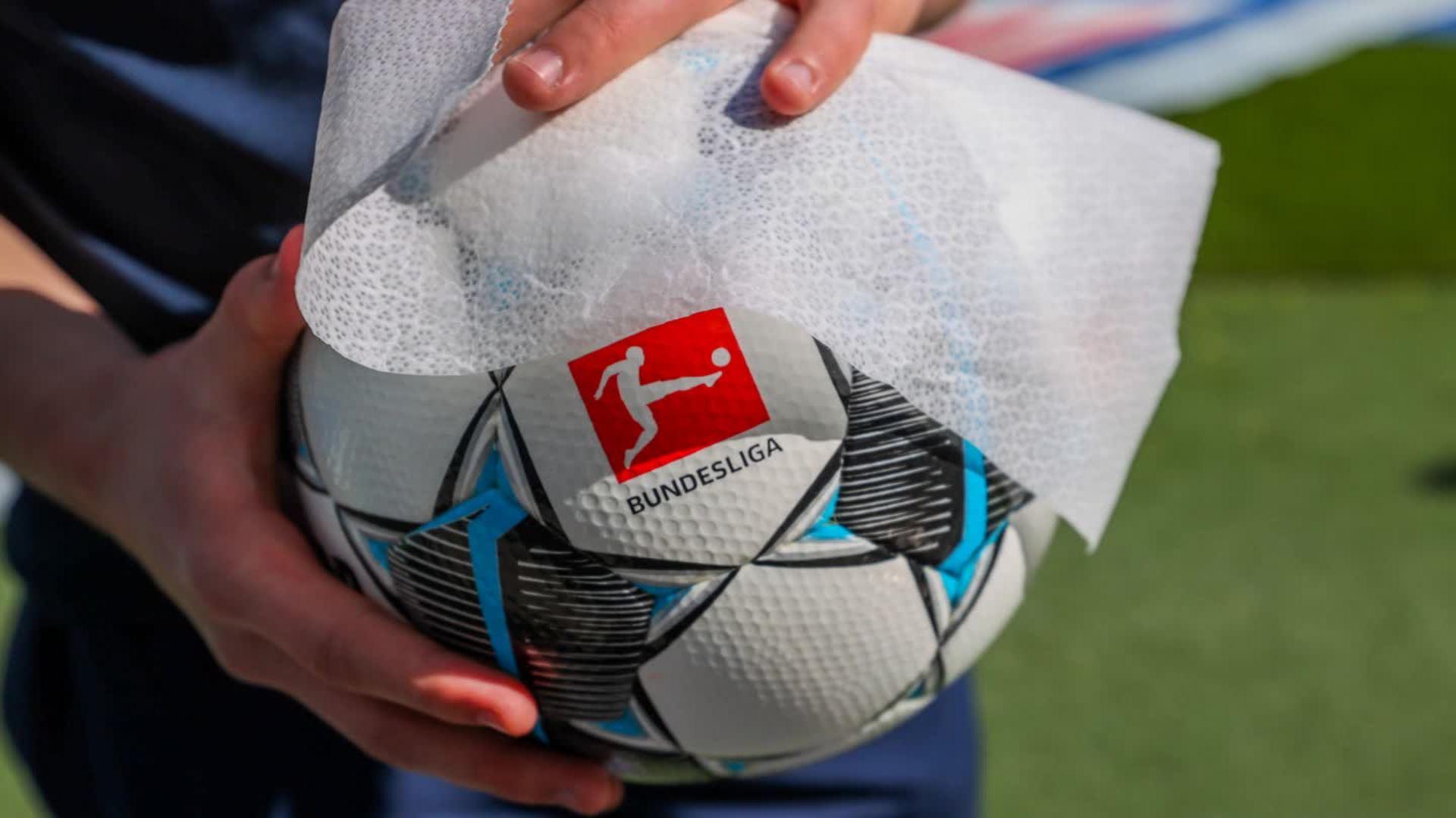Adrian Ramos No Sorprende Que Alemania Sea El Primer Pais En Regresar Al Futbol Cnn Video