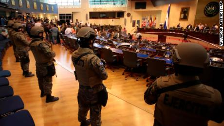 Armed Special Forces soldiers of the Salvadoran Army, following orders of President Nayib Bukele, enter congress upon the arrival of lawmakers, in San Salvador, El Salvador, Sunday, Feb. 9, 2020.)
