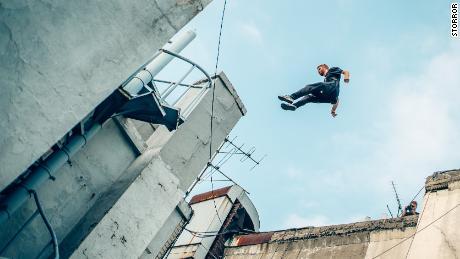 Toby Segar jumps between objects.